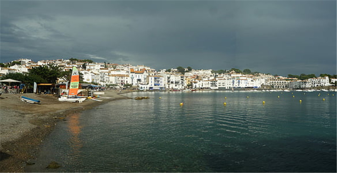 cadaques-spain-sea-side-thumb.jpg